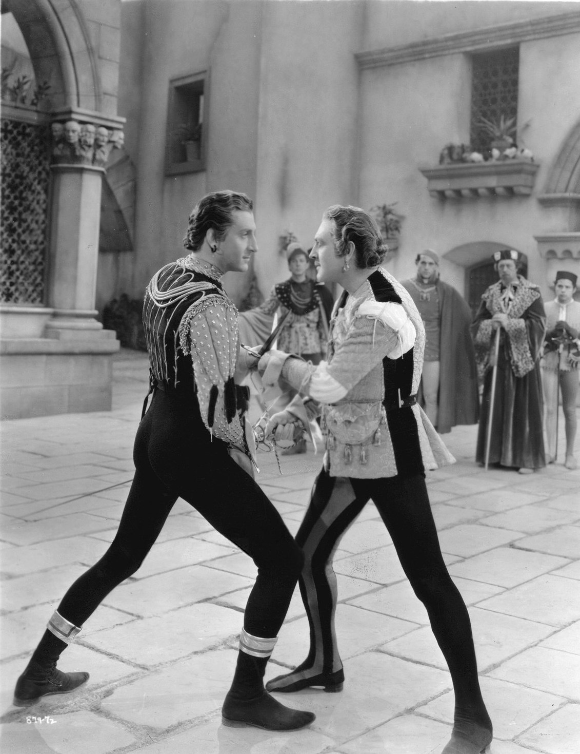 tybalt death news article Guns and violence in baz luhrmann's romeo + juliet how it leads to senseless death the prologue and the epilogue in the style of the evening news.